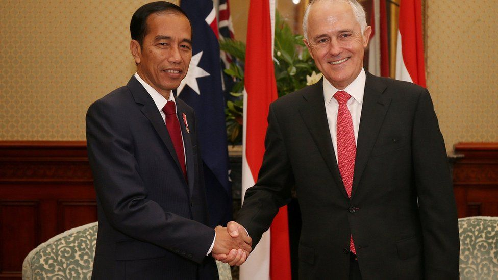 Indonesian President Joko Widodo (L) shakes hands with Australian Prime Minister Malcolm Turnbull at Admiralty House in Sydney, Australia, February 26, 2017