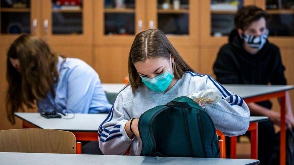 Prague school pupils, May 2020
