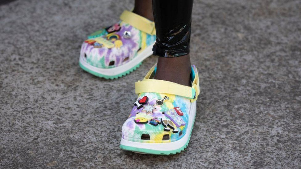 Fashion for Crocs continues to break records thumbnail