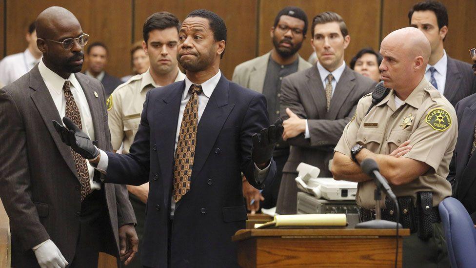 Cuba Gooding Jr (centre) in American Crime Story: The People vs OJ Simpson