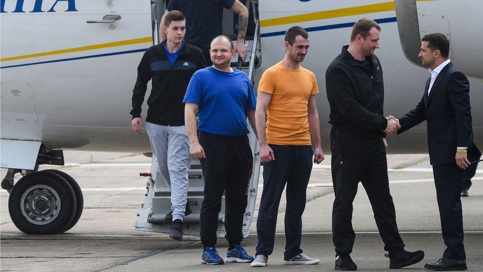 Картинки по запросу встреча в москве пленных