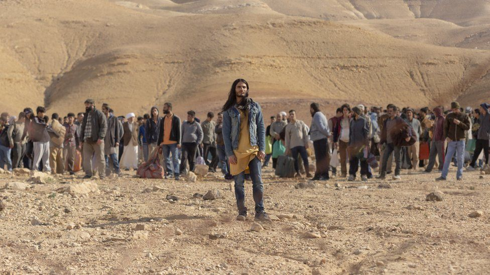 Mehdi Dehbi as Al-Mahsi in Netflix's Messiah