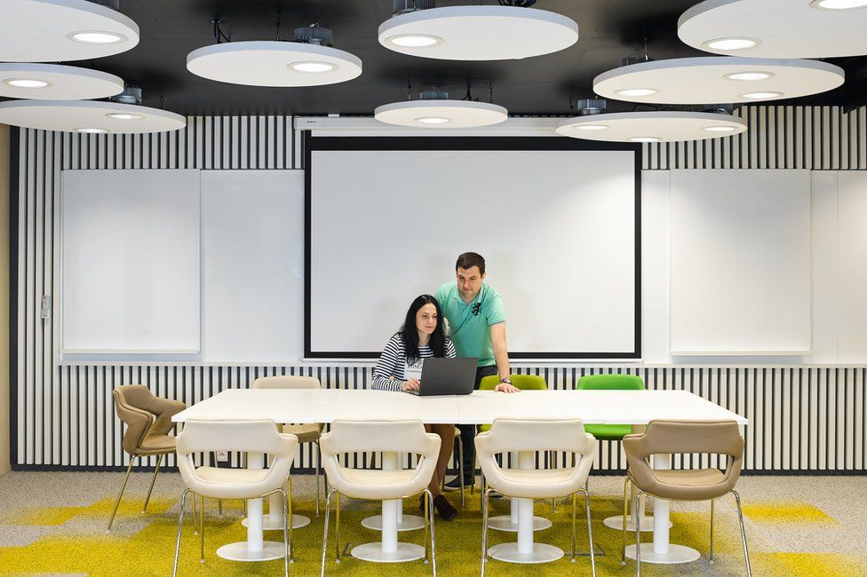 Man and woman in Innogy office