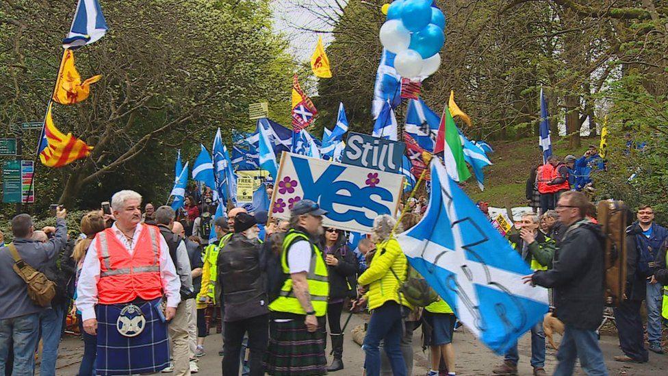 Marchers at Kelvingrove Park