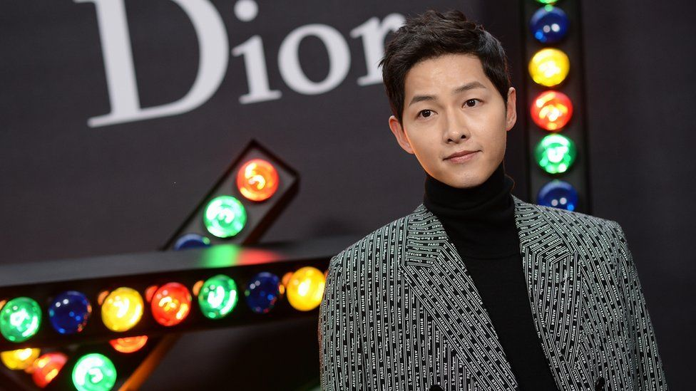 JANUARY 20: Song Joong-ki attends Dior Homme Menswear Fall/Winter 2018-2019 show as part of Paris Fashion Week at Grand Palais on January 20, 2018 in Paris, France