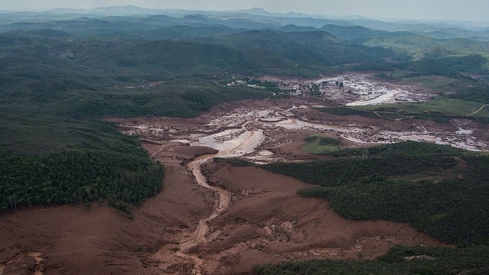 View of mud flow after Samarco dam collapse