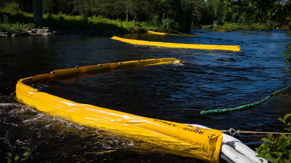 Oil catch filters on the Chaudiere River, in Lac-Megantic