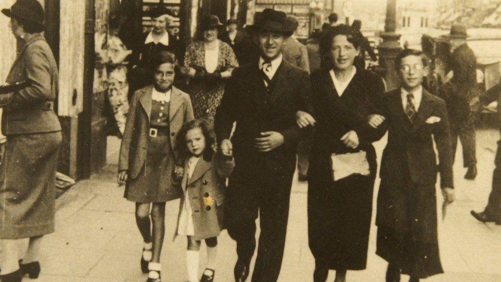 Henri Kichka's family