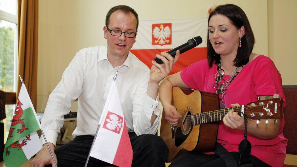 Mae Paweł a'i wraig Kasia