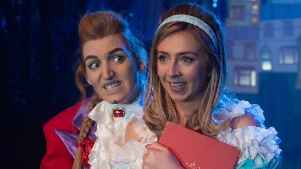 Ellie Sanderson-Nash as Cinderella and Jennie Jacobs as Prince Charming