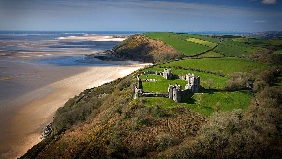 Castell Llansteffan a'r arfordir