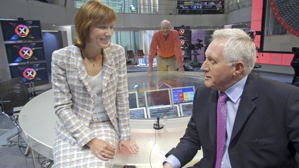 Fiona Bruce with David Dimbleby in the general election studio in 2005