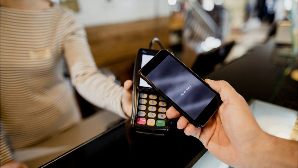 Paying contactless