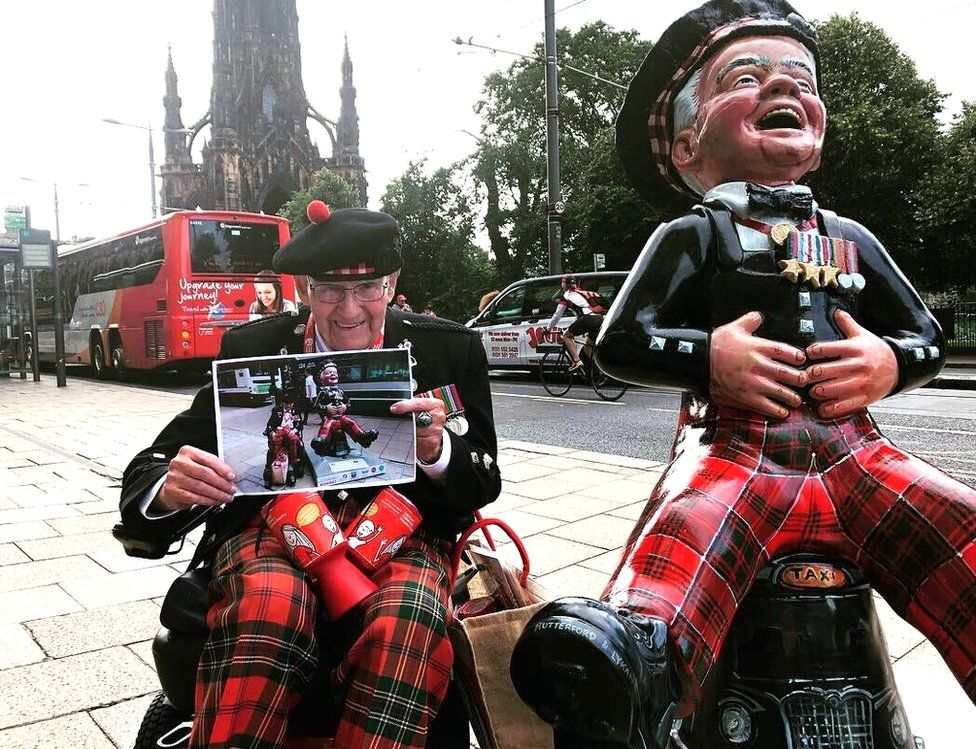 Oor Wullie statue: War veteran's family outbid at auction