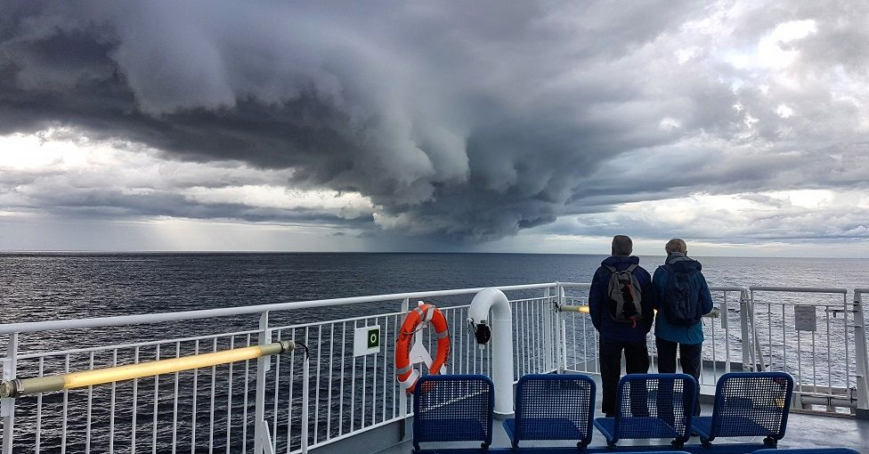 _107286667_ferry.jpg