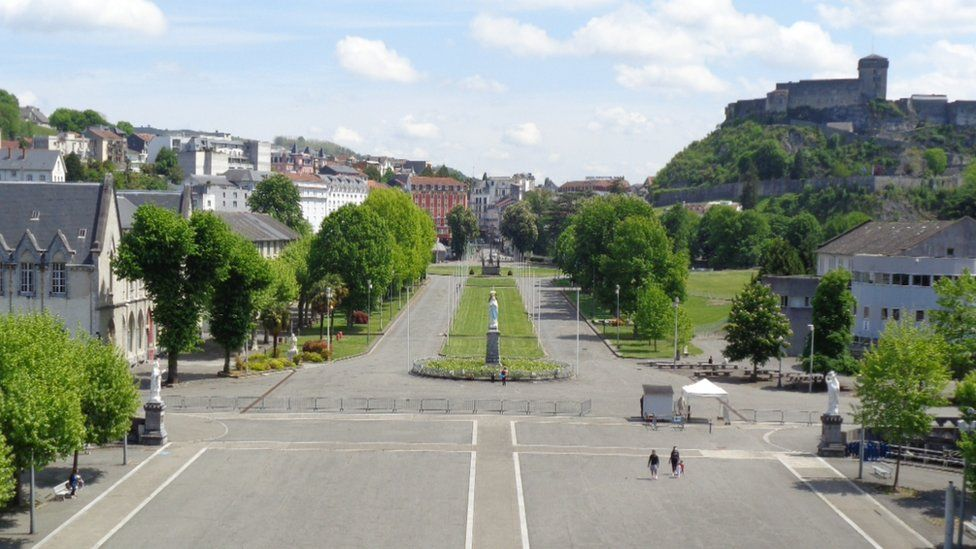 Empty streets of Lourdes