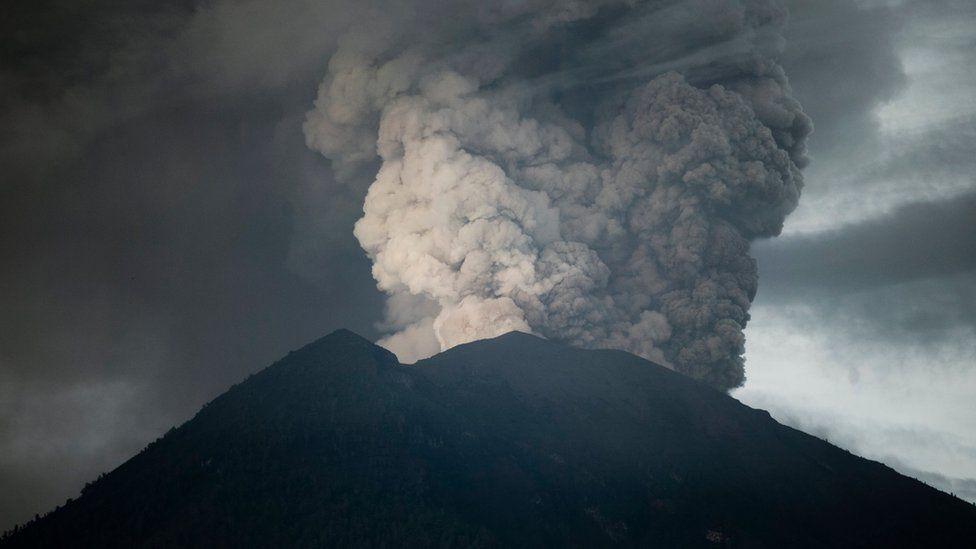 Mount Agung Bali Volcano Eruption Photos Explained Bbc News