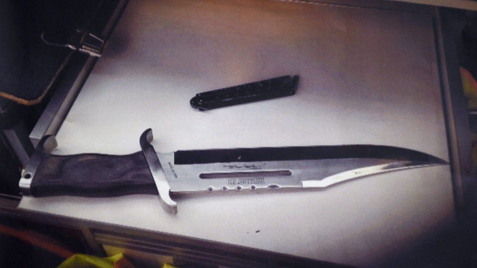 A photograph of the knife that was used in an attack on mayoral candidate Henriette Reker is shown during a press conference in the police headquarters of Cologne, Germany, 17 October 2015.