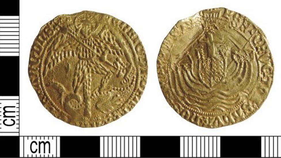 Gold coin Derbyshire detectorist