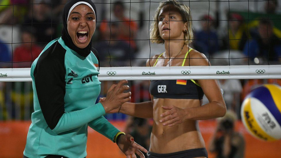 Egyptian and German volleyball players