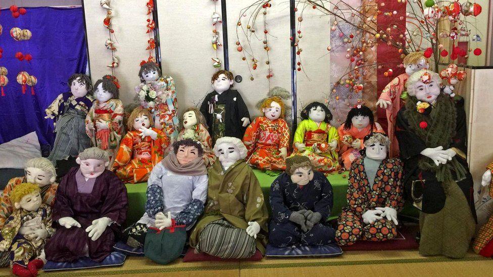 """Аяно Цукими: """"Чтобы хранить память об умерших односельчанах, я начала делать эти фигуры"""""""