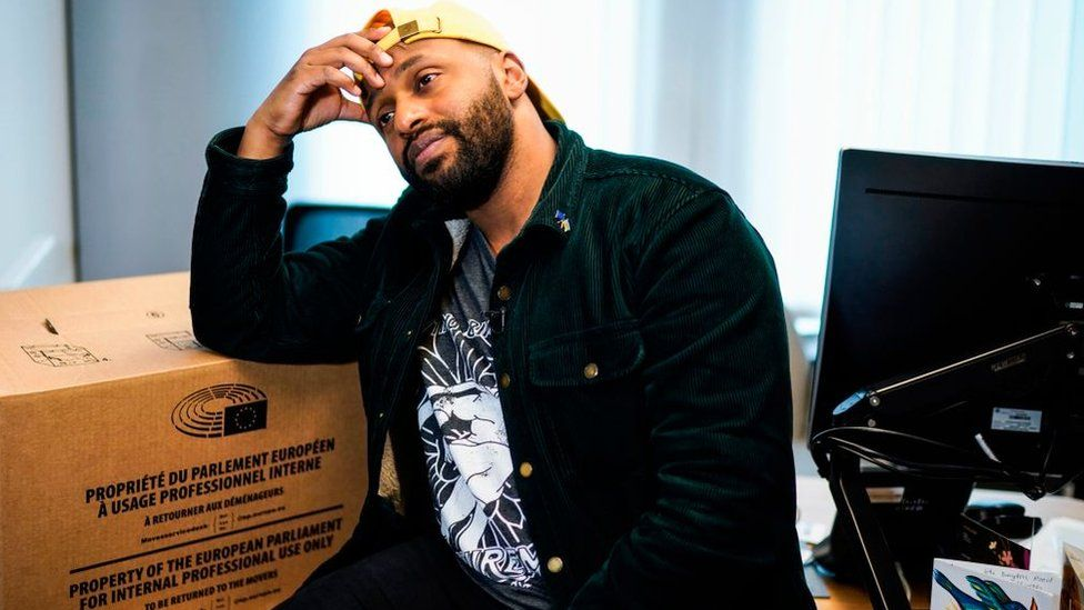 Magid Magid packing up his Brussels office