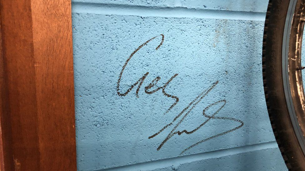 Geraint Thomas's signature on the wall of the Maindy Flyers.