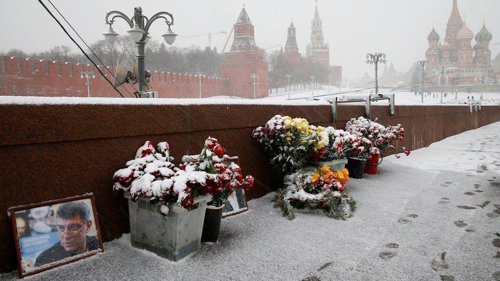 A shrine for Russian opposition politician Boris Nemtsov on Great Moskvoretsky Bridge