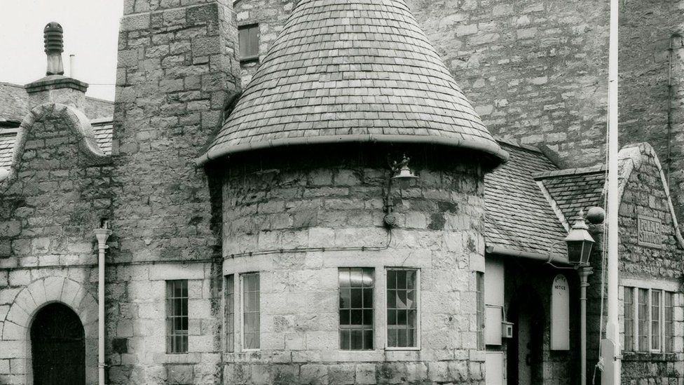 Black and white photograph of Castletown police station