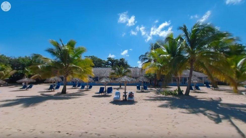 VR tour of a Jamaican beach