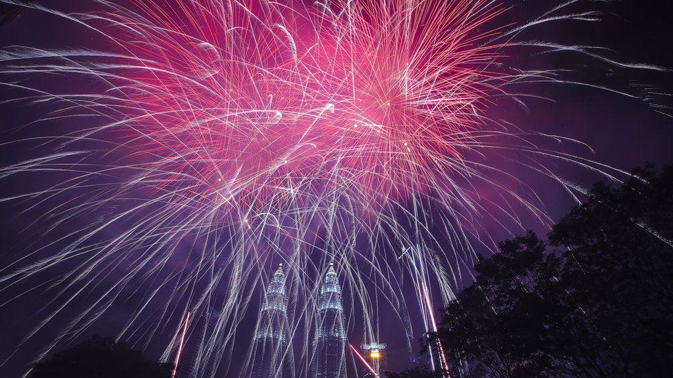 Fuegos artificiales en Kuala Lumpur.