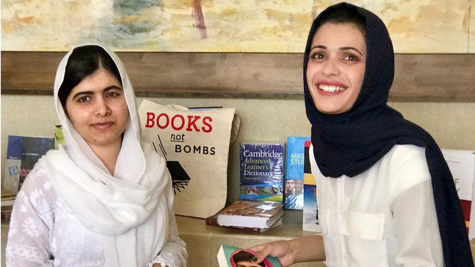 Tahani Salih (R) with Malala Yousafzai in Irbil (July 2017)