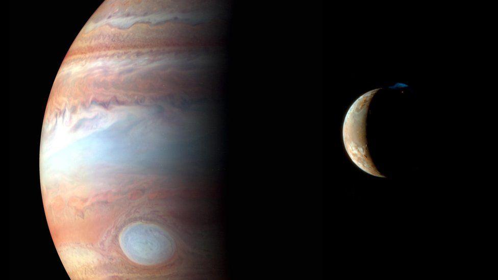 """Descubren 12 nuevas lunas de Júpiter, incluyendo una """"bola extraña"""" que puede colisionar frontalmente con las demás"""