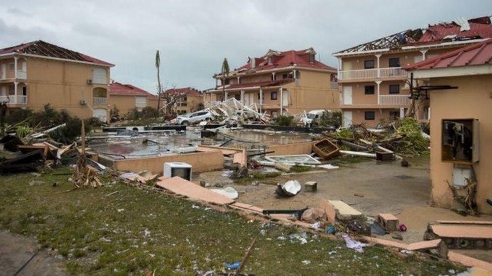 St Martin Adası'nın Fransa'ya bağlı bölümünde büyük bir yıkım vardı.