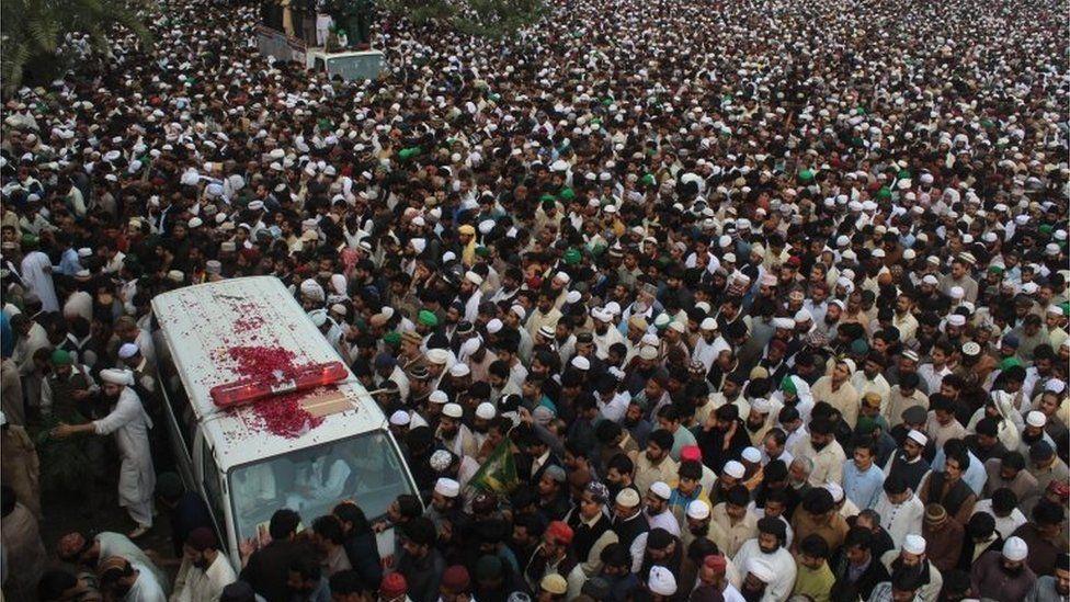 People and relatives attend a funeral ceremony of executed former police guard Mumtaz Qadri, in Rawalpindi, Pakistan, 01 March 2016.