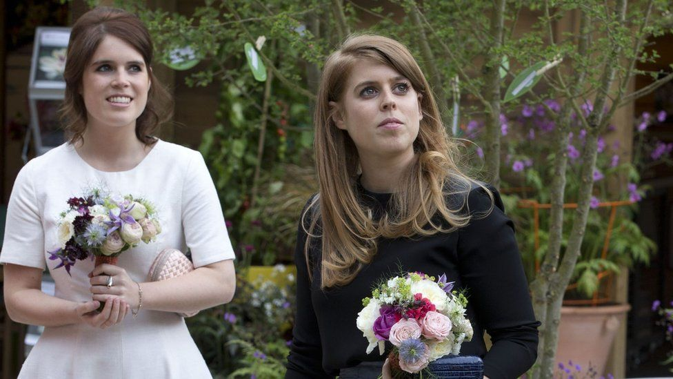 Princess Eugenie (left) and Princess Beatrice in 2016
