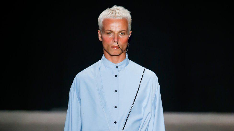 Tales Soares: Male model dies at São Paulo Fashion Week