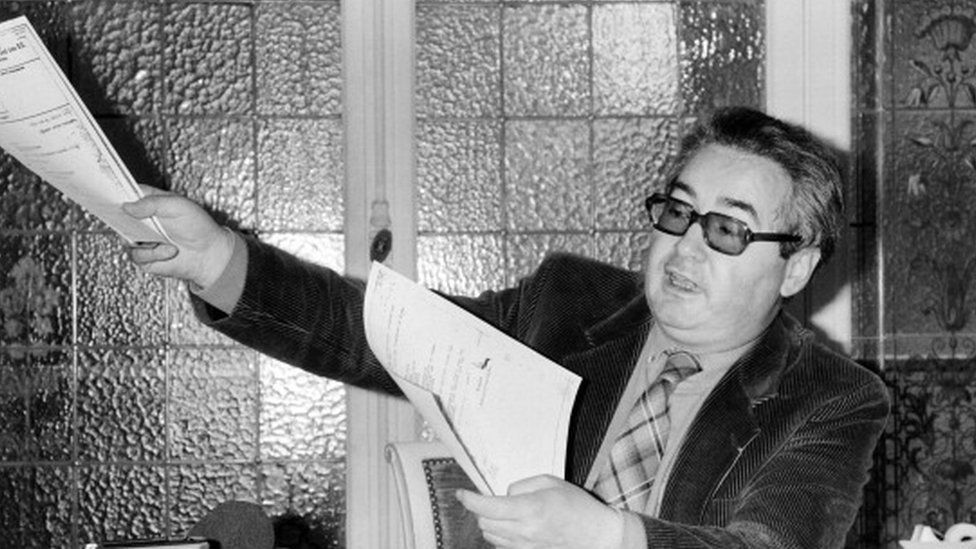 French lawyer Serge Klarsfeld during a press conference about Nazi fugitive Alois Brunner in 1985