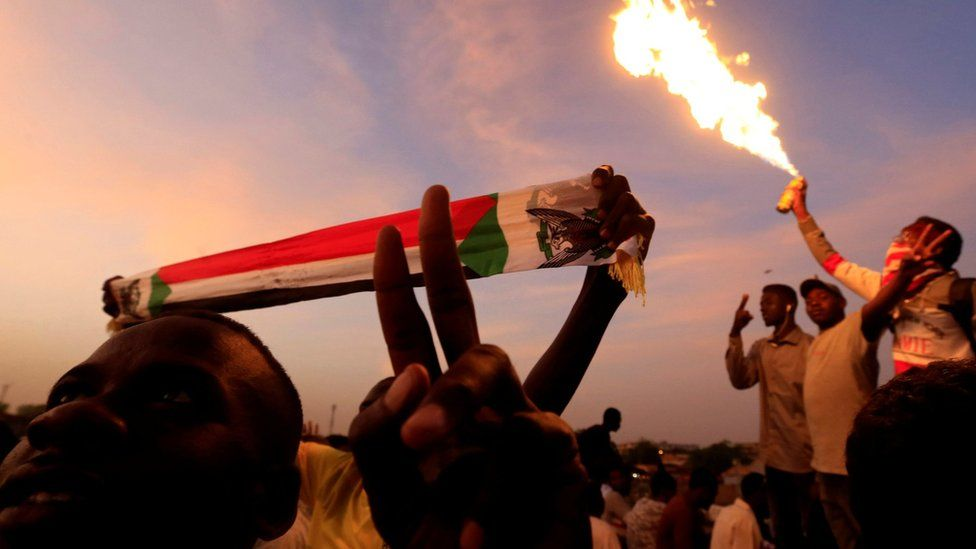 Sudanese demonstrators attend a sit-in outside the defence ministry in Khartoum, Sudan April 14, 2019