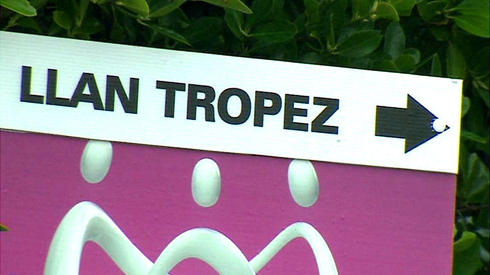 Llan Tropez