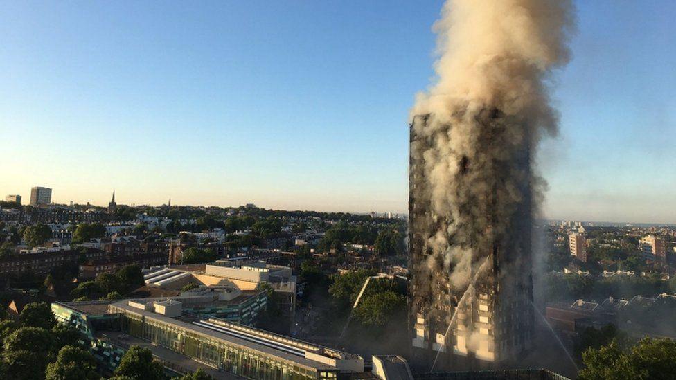 'Fui acordado por gritos de não pule!': testemunhas relatam inferno de incêndio em prédio de Londres