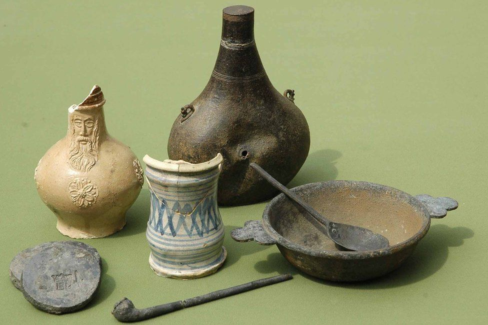 Objects from the Elizabethan wreck