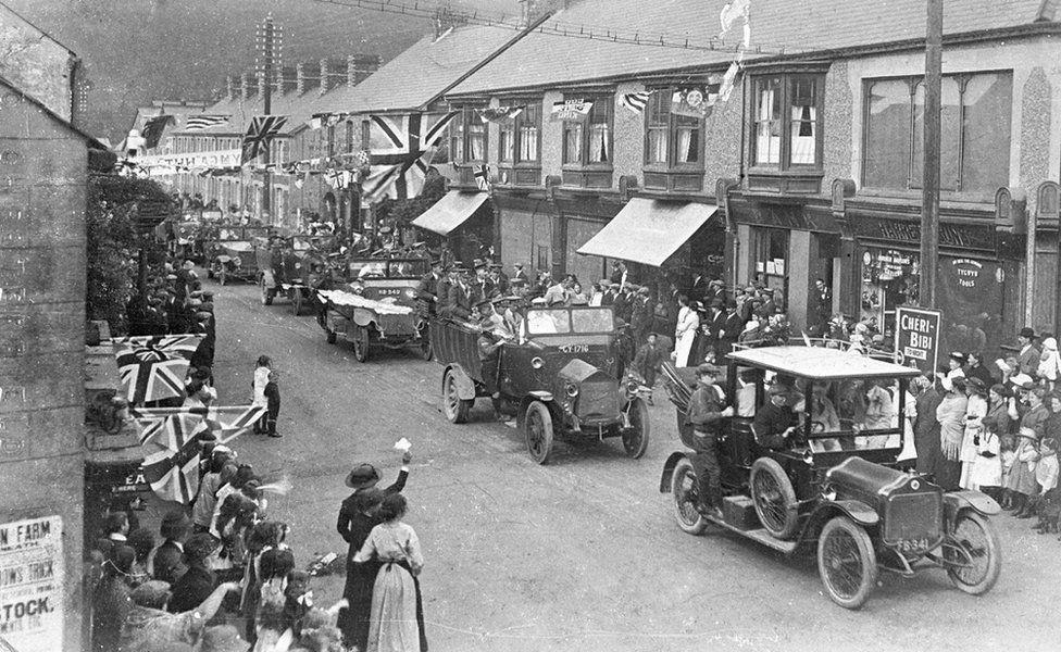 Dathliadau cadoediad yng Nglyn-nedd, 1918