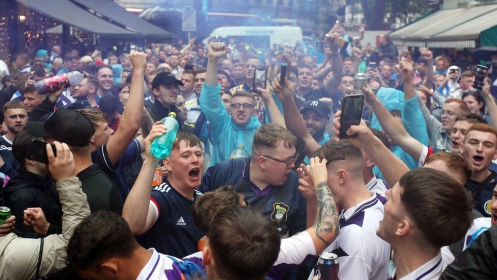 scotland fans in leicester square