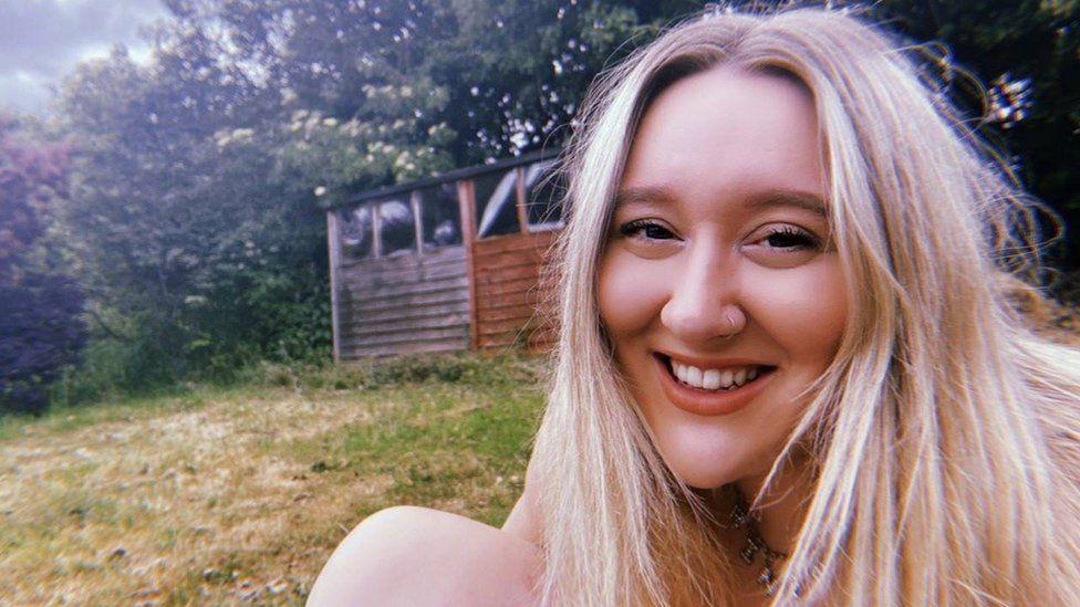 Depop user Emily Goold