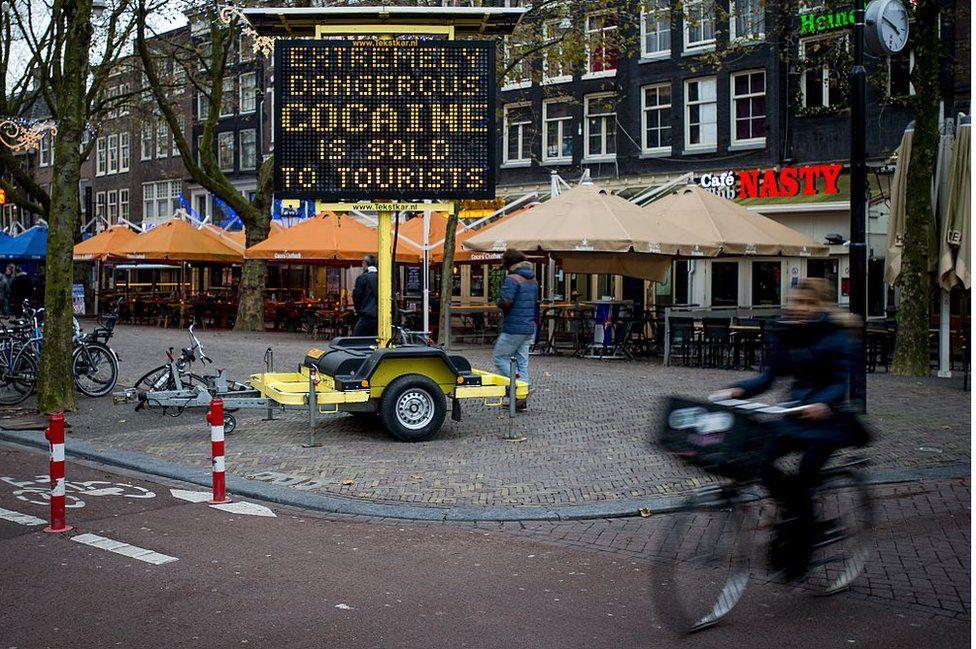 Por que o sindicato da polícia da Holanda afirma que o país está virando um 'narcoestado'?