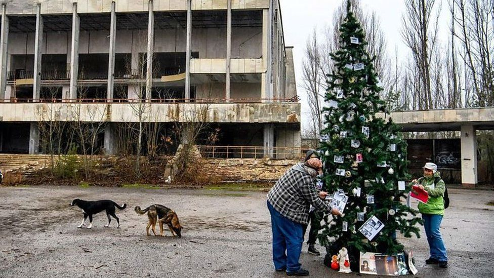 Christmas tree decorated in Chernobyl 'ghost town'