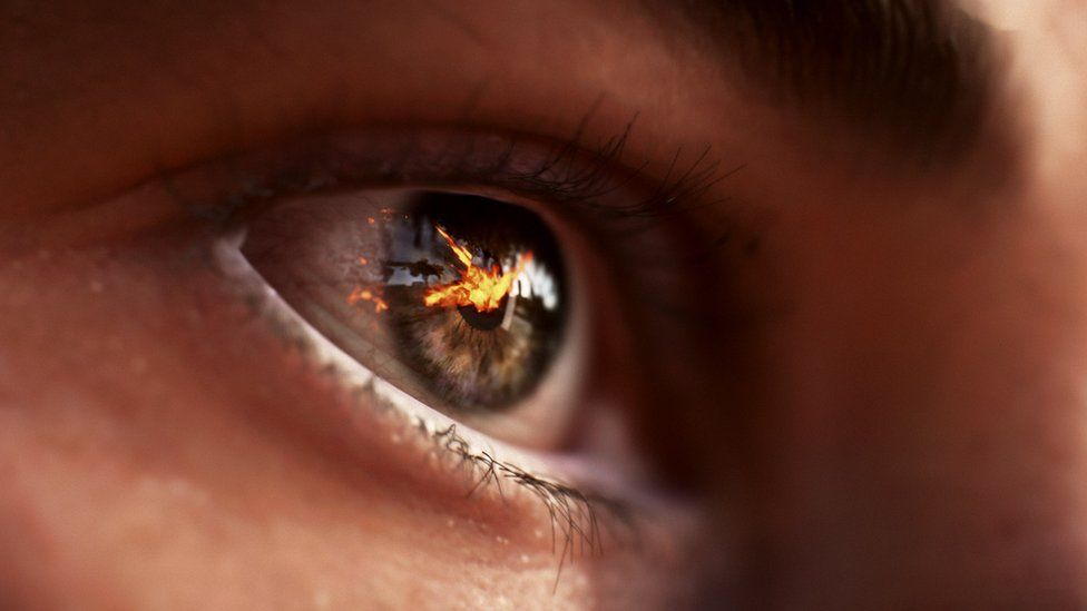 A graphic of an eye from the Battlefield 5 game