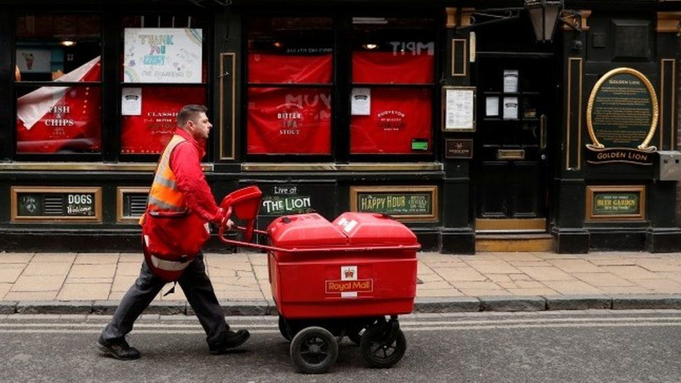 Royal Mail is 'putting profits before safety' say staff - BBC News
