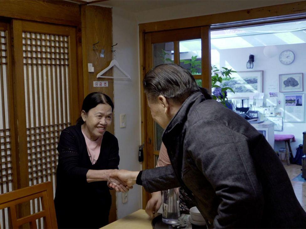 Nguyen Thi Thanh meeting Ryu Jin-sung